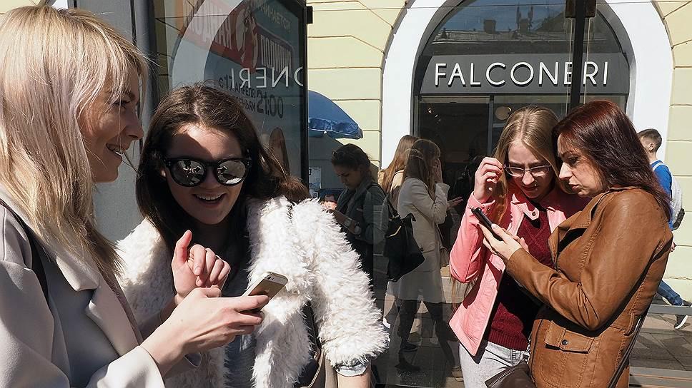Петербург отстал от периферии / по росту продаж смартфонов
