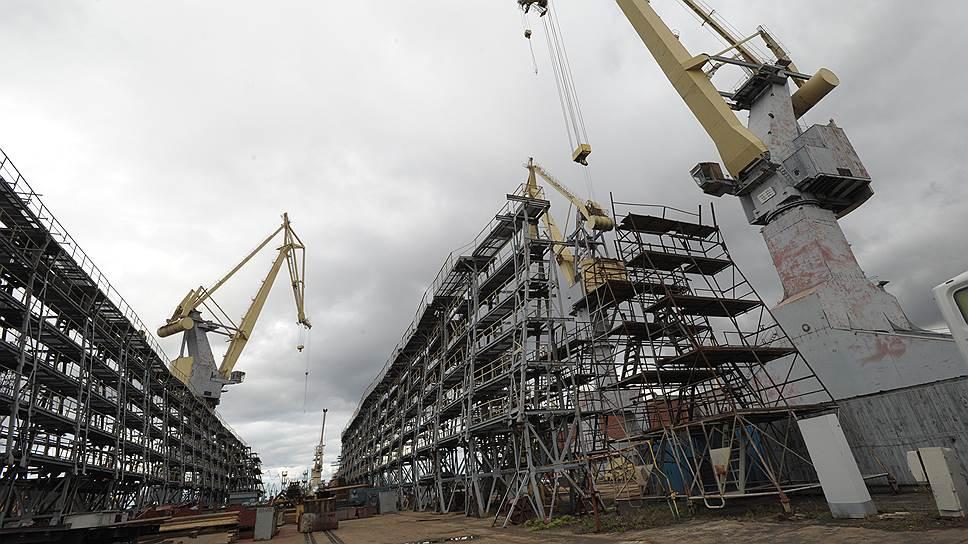 ОСК запасается кранами / Корпорация предпринимает новую попытку модернизировать Северную верфь