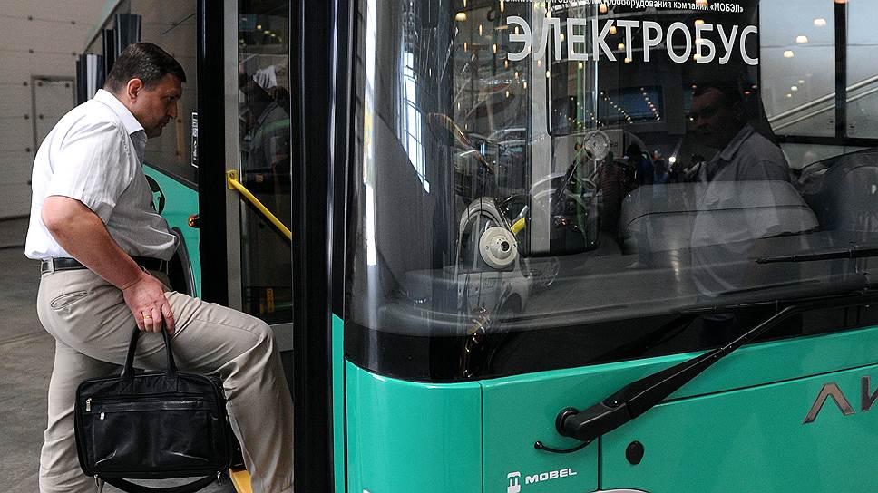 Наэлектризованный транспорт / Смольный намерен начать массовое тестирование электробусов в Петербурге в 2018 году