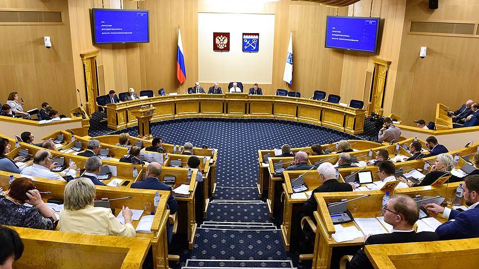 Власти Ленобласти корректируют бюджет из-за недоосвоения средств АИП