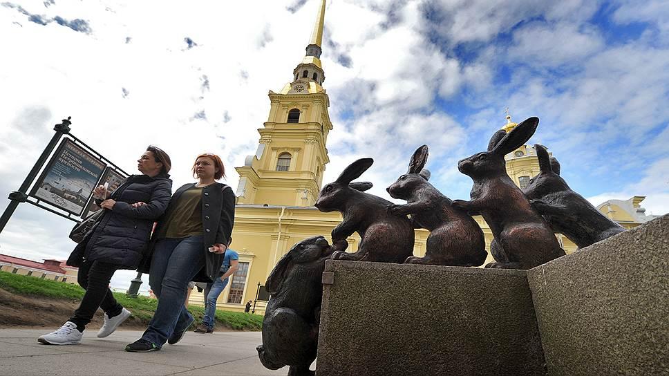 Новая программа должна помочь увеличить число туристов в Петербурге
