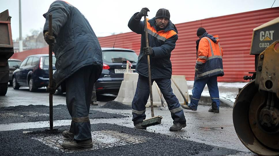 Весь список дорог, нуждающихся в ремонте, КРТИ в этом году поделил на 12 лотов. Для сравнения: в прошлом весь объем ремонта дорог в городе был разделен всего на три лота