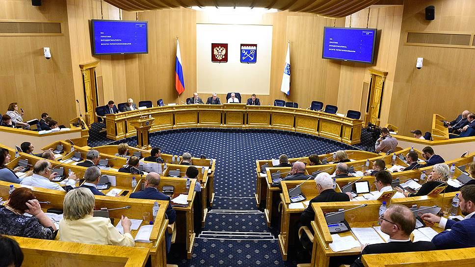 В Контрольно-счетной палате Ленобласти рассказали о недоосвоенных в 2017 году 2 млрд рублей