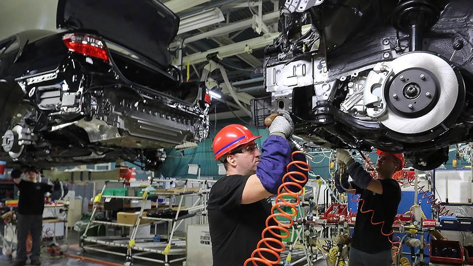 Toyota подогнала новую платформу / Под сборку восьмого поколения модели Camry завод модернизировал производство за 4млрд рублей