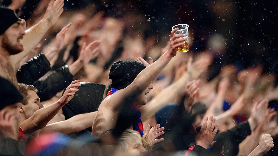 Время и стекло / Ограничения продажи спиртного в период ЧМ-2018 по футболу собираются принять до конца мая