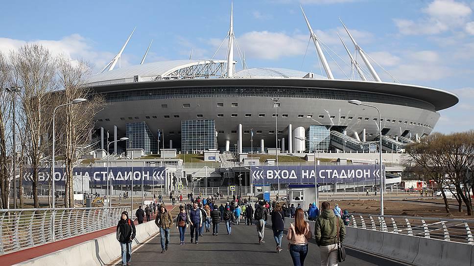 Под стадионом «Санкт-Петербург» зашатались очередные договоры / Смольный требует почти 5млрд рублей cгаранта исполнения контрактов на достройку арены