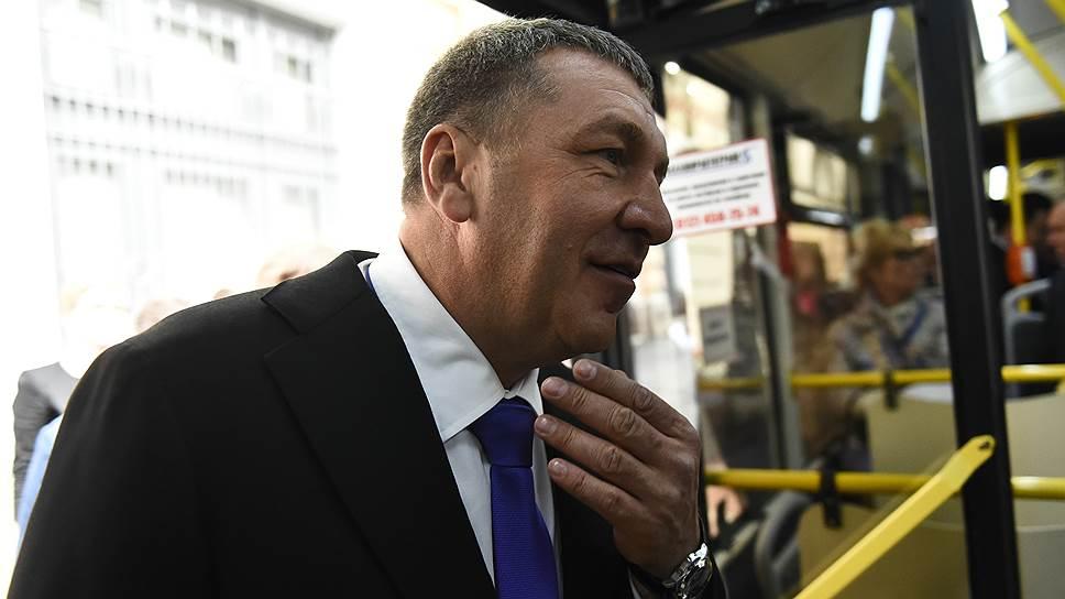 Вице-губернатор Игорь Албин считает, что существующие системы управления городским пассажирским транспортом не подлежат модернизации