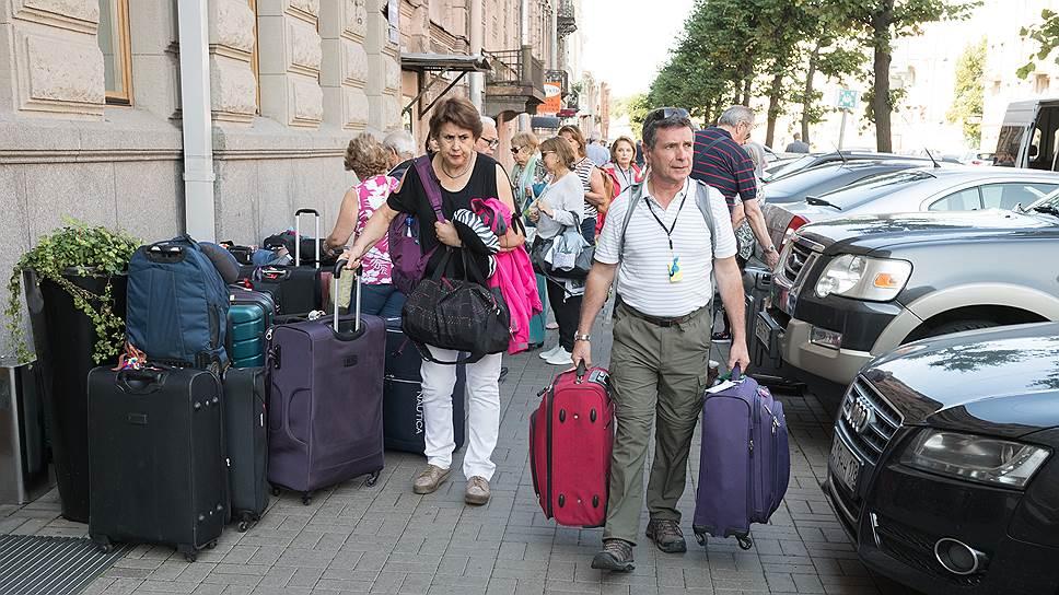 Почему отельеры и туроператоры просят правительство Санкт-Петербурга не спешить с введением гостевого налога