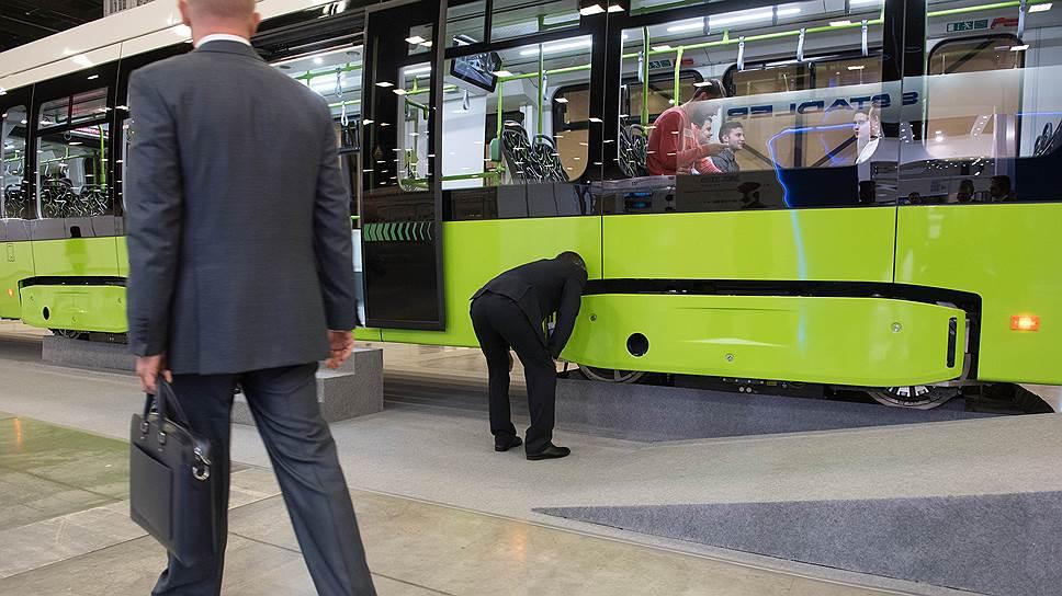 «Чижик» погружается в бюджет / Концессионеру первого частного трамвая определили выплаты