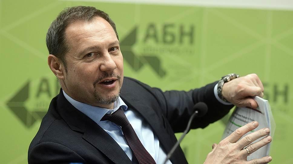 С проблемами «Фудлайна» источники связывают и анонсированную на прошлой неделе продажу «Агентства Бизнес Новостей», инвестором которого на рынке считается Максим Иванов