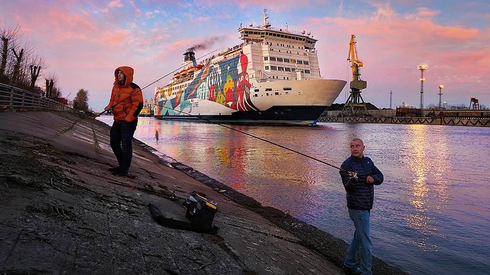 Паромное сообщение с Калининградом может быть открыто не ранее июля 2020 года, когда завершится строительства порта Пионерский