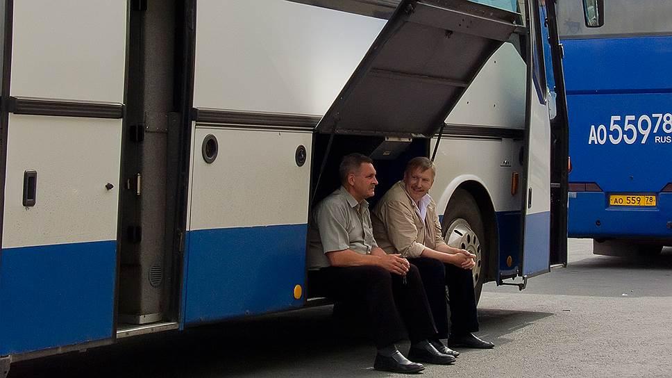 Автобусные перевозчики жмут на тормоз / Компании просят продлить переходный период на получение лицензий