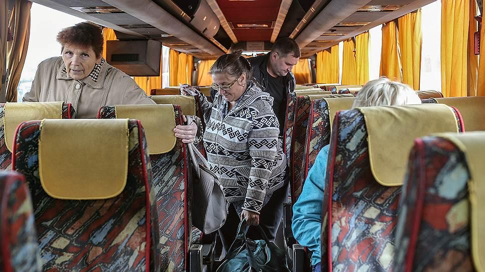 Малым транспортным предприятиям тяжело содержать собственные сервисы по продаже билетов, и они вынуждены реализовывать их в кассах автовокзала