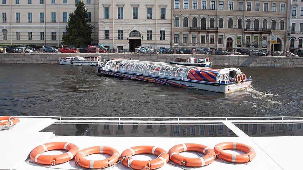 «Астра Марин» подключает батарейки / Первые в России пассажирские суда на электродвигателе начнут ходить в Петербурге