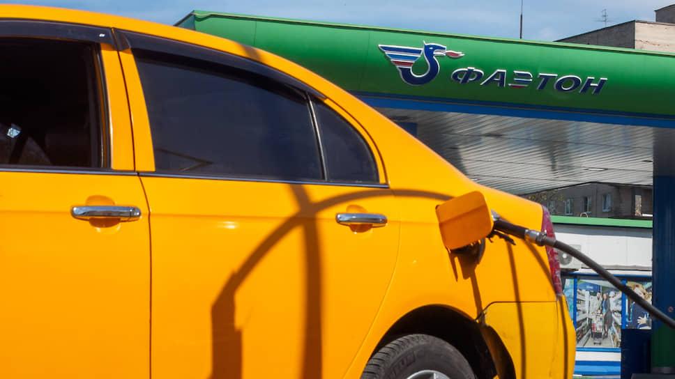 """Сейчас Сергей Снопок формально не имеет отношения к операционной компании топливного оператора «Фаэтон» (ООО «АвтоЗаботливаяСтанция») и бывшим хозяйствам группы, однако источники """"Ъ"""" полагают, что он сохраняет контроль над этими активами"""
