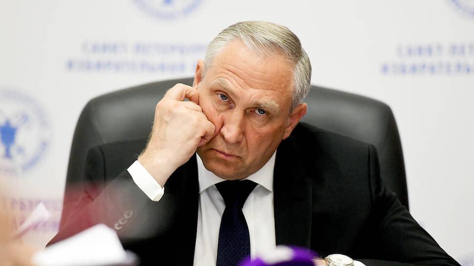 Председатель Санкт-Петербургской избирательной комиссии Виктор Миненко вчера оказался не готов комментировать рекомендации Центризбиркома