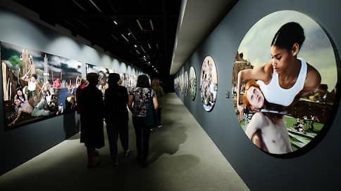 Сон разума рождает красоты  / Выставка группы AES+F открылась в Петербурге