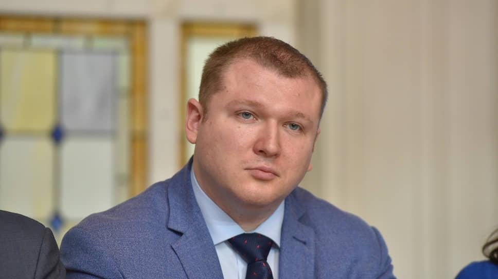 По словам Даниила Федичева, несмотря на решение Фонда, он продолжит выдавать ключи обманутым дольщикам
