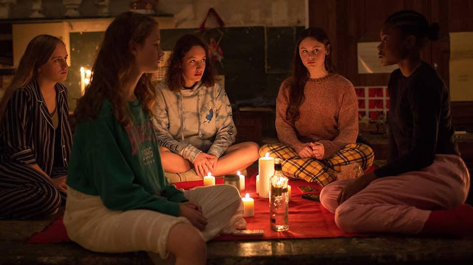 Поиски острых ощущений доводят любительниц поболтать при свечах до экспериментов с гаитянской магией