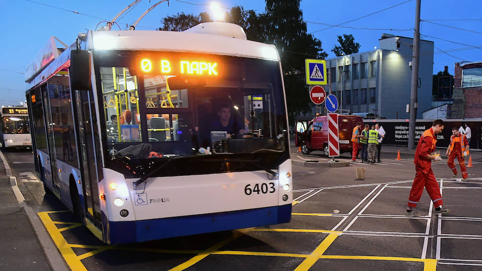 Эксперты говорят, что низкий спрос на ночные перевозки, который приводит к убыточности работы автобусов, в нынешней схеме связан с нерегулярностью движения и непродуманностью трасс