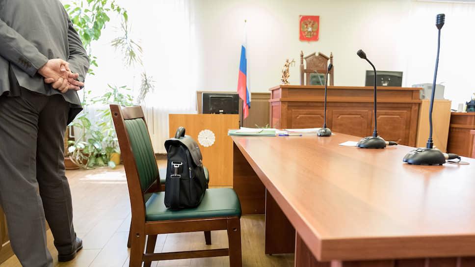 Суд предлагал участникам процесса пойти на мировое соглашение, проведя ручной пересчет бюллетеней, однако представители избирательной комиссии не согласились
