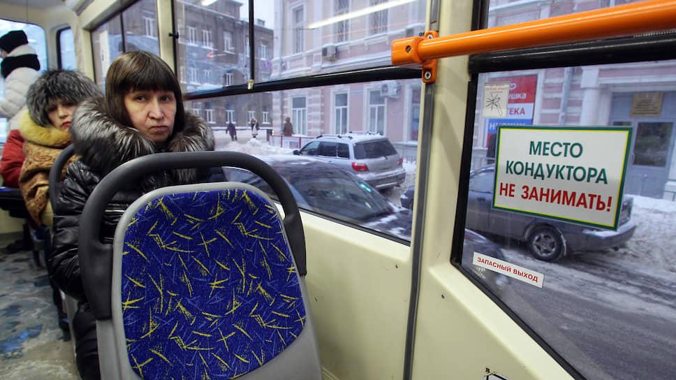 Смольный погнался за «зайцами» / Контролерам общественного транспорта могут предоставить право оформлять протокол на безбилетников