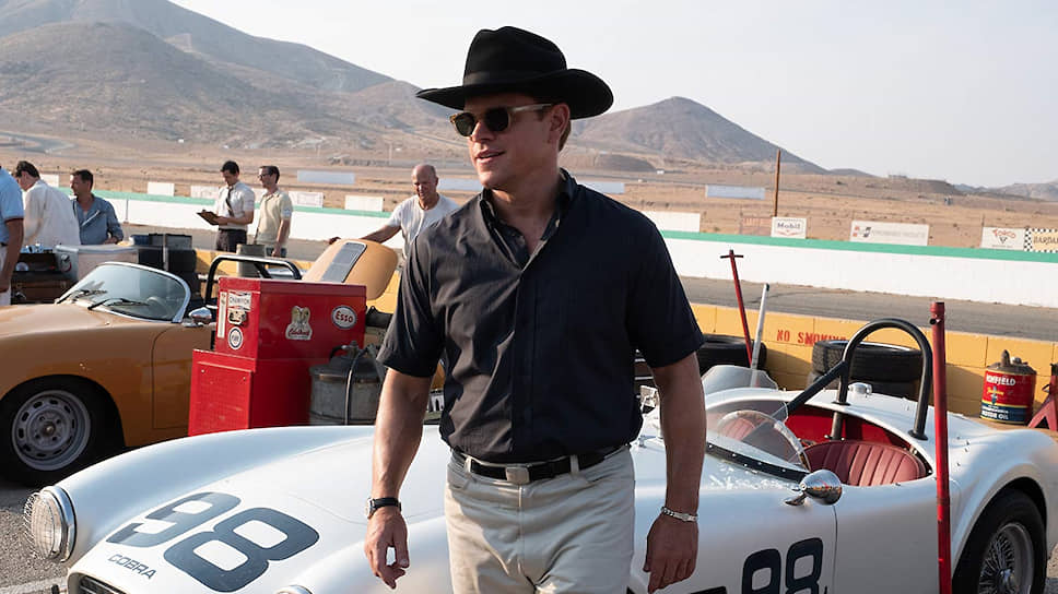 Знаменитый гонщик и автомобильный конструктор Кэрролл Шелби (Мэтт Деймон) получился почти ничем не примечательным персонажем фильма