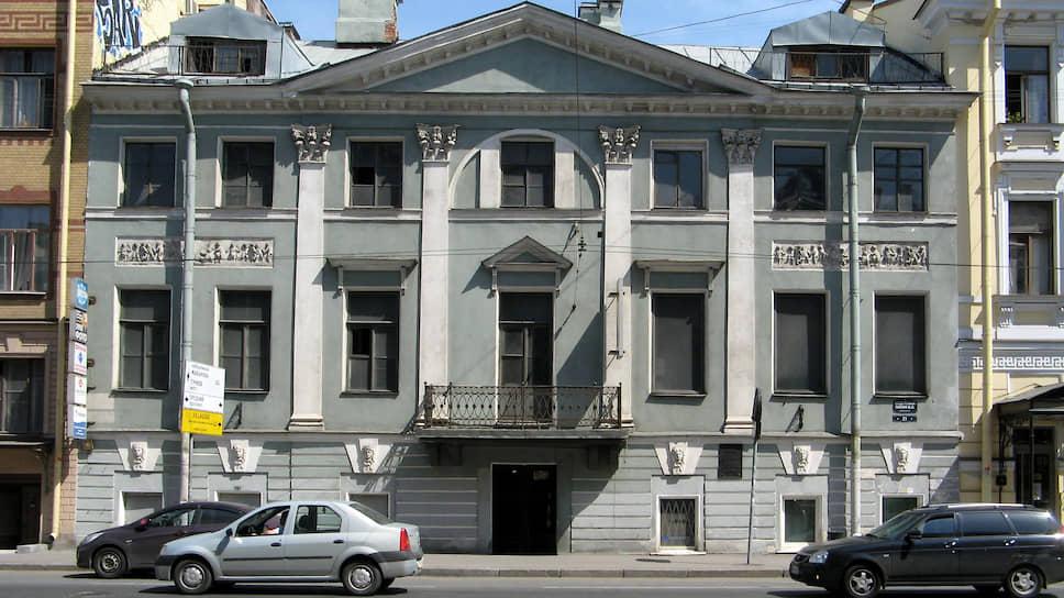 Дом Брюллова отреставрирует фонд «Аль-Макам» / В историческом здании на Кадетской появится музей-институт исламской культуры