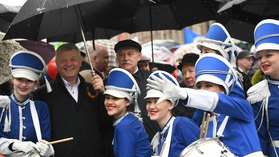 Депутаты придумали мораторий для «профсоюзных олигархов» / Парламентарии Петербурга попросили премьер-министра РФ наложить запрет на продажу недвижимости ЛФП