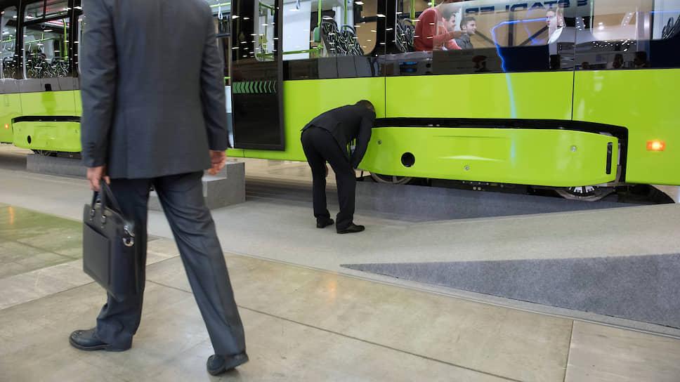 В трамвай до Купчино подсадят новых инвесторов / Газпромбанк и АБЗ-1 не исключают вхождения других акционеров в свой проект