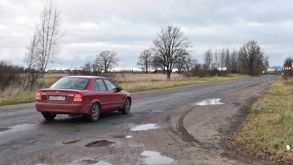 Ленобласть выставила счет за петербургских дачников / Городской бюджет просят заплатить за ремонт дорог к садоводствам около 3млрд рублей