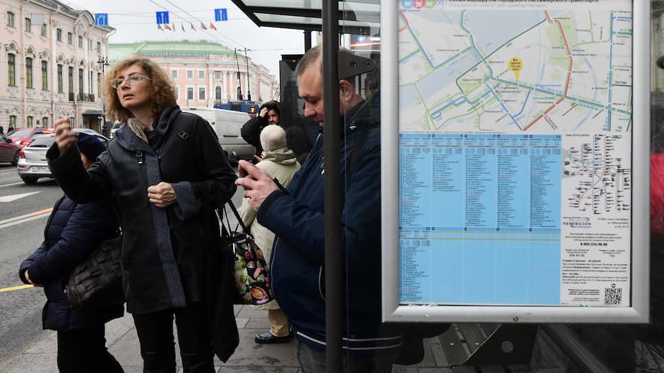 Аукционы транспортной реформы планировали объявить еще в конце февраля — в начале марта, но власти не объясняют причин задержки. Между тем новая сеть общественного транспорта должна заработать уже через четыре месяца