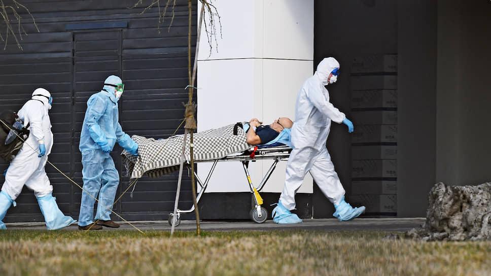 Петербург резервирует места / Власти планируют вдвое увеличить количество коек в больницах в связи с коронавирусом