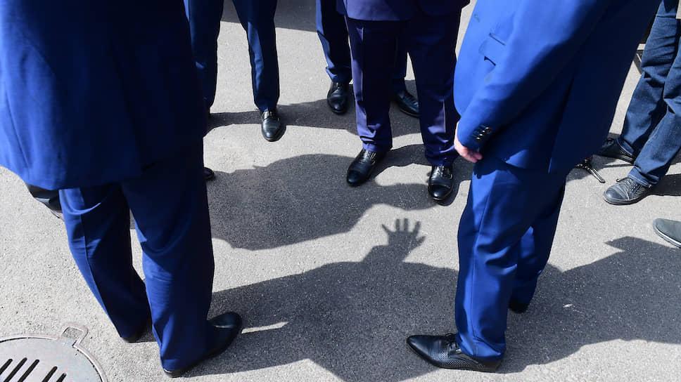 Децентрализация масс / Смольный готов принять предложение петербургских деловых объединений осоздании штаба