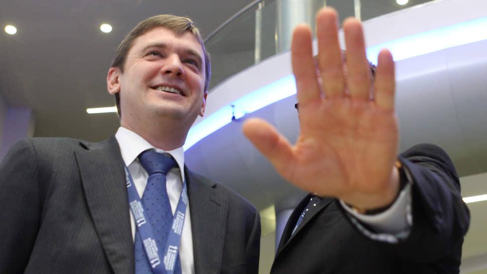 С 2013 года Кирилл Поляков (слева) был советником министра транспорта Максима Соколова, занимавшего пост до 2018 года