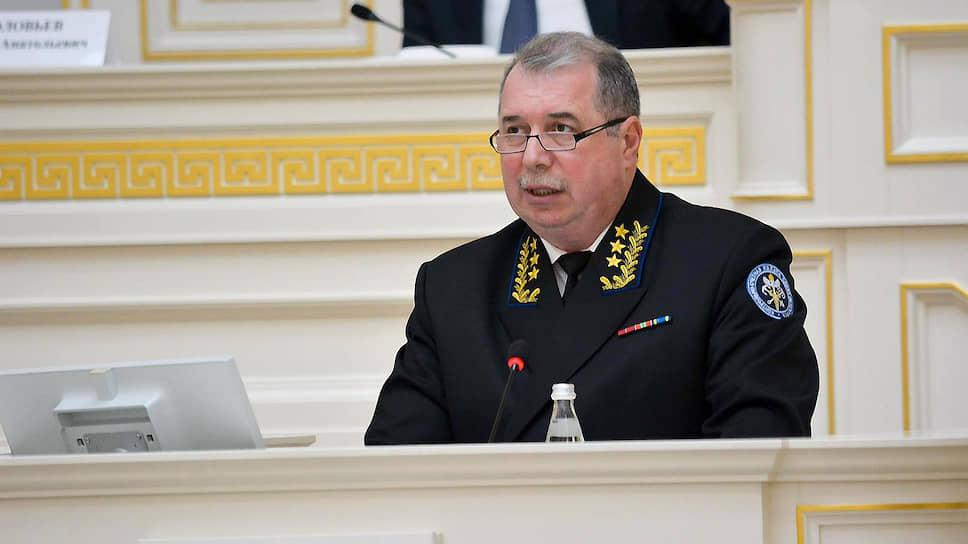 Глава КСП недосчитался подписей / Вадим Лопатников не сможет бороться за сохранение должности