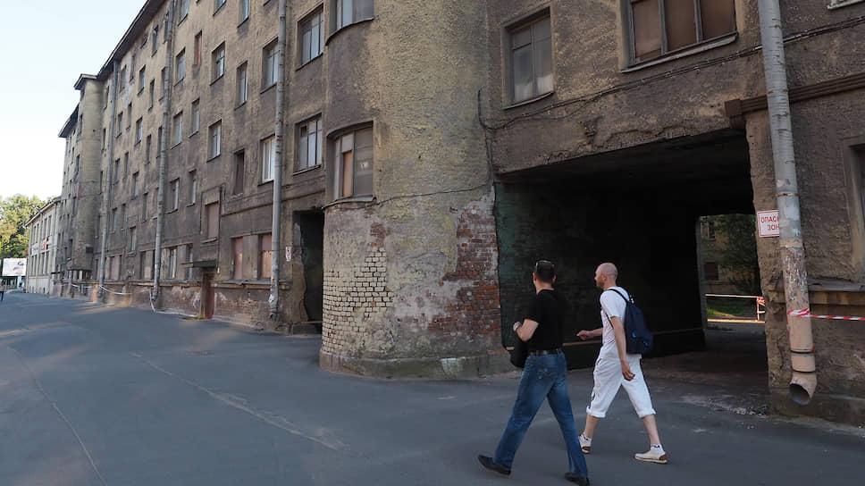 Кондратьевский жилмассив. Жилой квартал постройки 30-х годов ХХ века в стиле конструктивизма