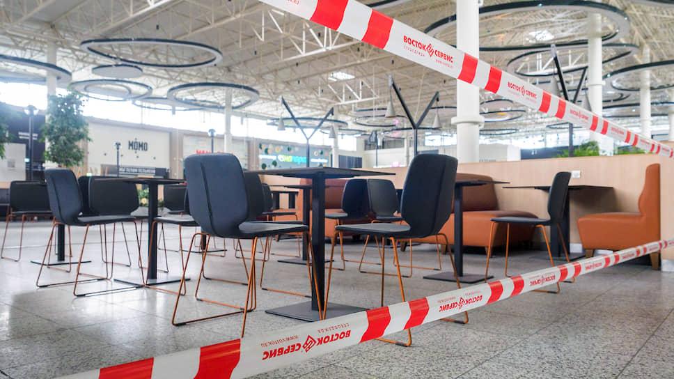 Смольный планирует открыть фуд-корты, концертные и кинозалы при условии, что начало нового учебного года не приведет к всплеску заражений коронавирусом