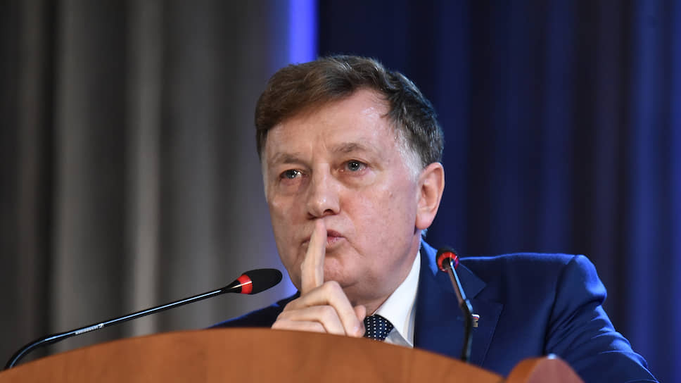 Парламент Петербурга под руководством спикера Вячеслава Макарова, не организовав сегодняшнюю трансляцию заседания, взял еще одну высоту открытости для избирателей