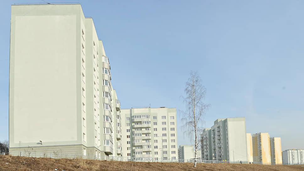 Дорогие очередники / Смольный готов покупать социальные квартиры по96,5тыс. рублей за «квадрат»