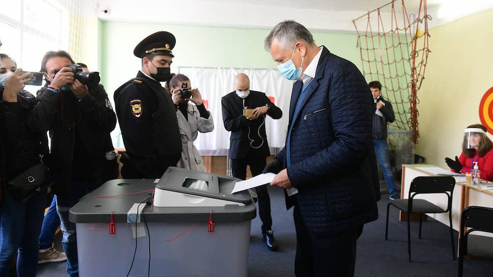 Губернатор Ленобласти победил сам себя