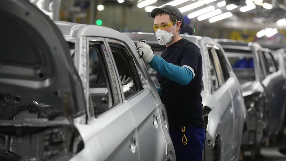 В Петербурге самое заметное падение в промышленности было зафиксировано в сегменте автотранспорта и электрооборудования