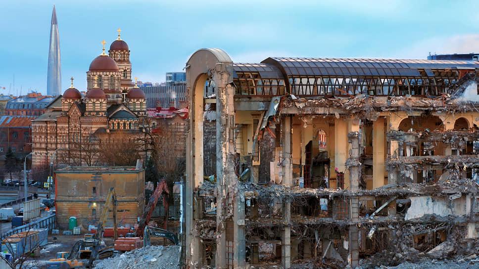 ПСК примеряет «Северную корону» / Строительная компания возведет на месте долгостроя на Карповке элитное жилье