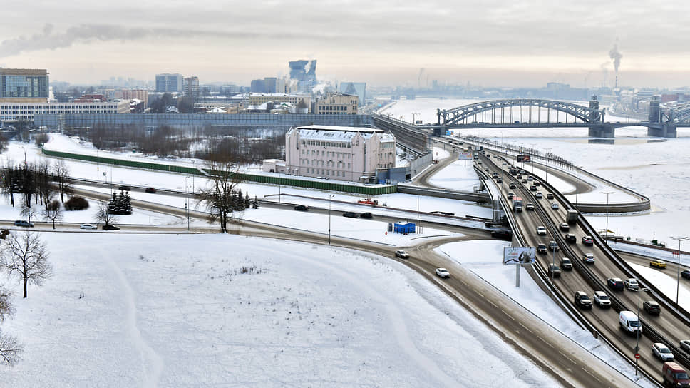 Министерство культуры РФ сообщило, что основания для пересмотра границ охранных зон на Охтинском мысу отсутствуют, тем самым еще раз подтвердив, что государством охраняются лишь 0,8 га из 4,7 га