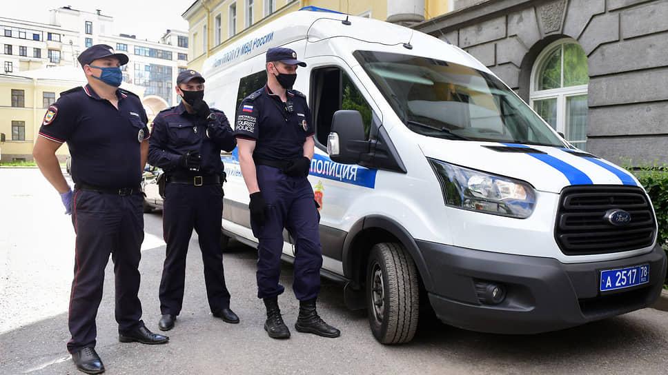 Полиция сохраняет фордверженность / Региональное управление МВД получит 65новых микроавтобусов Ford Transit изЕлабуги