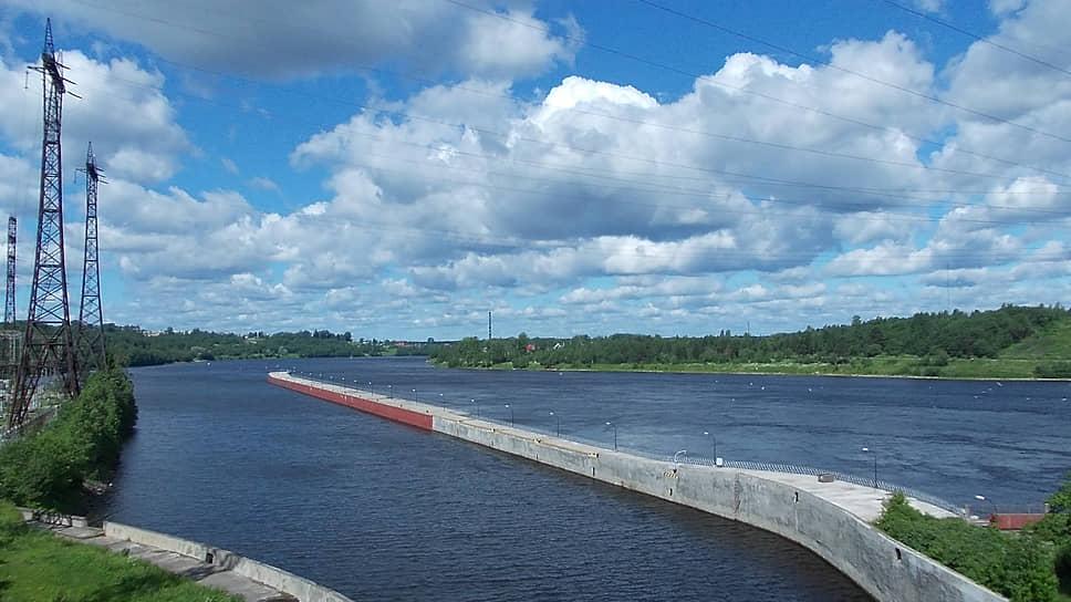 Вид со шлюза Верхнесвирской ГЭС