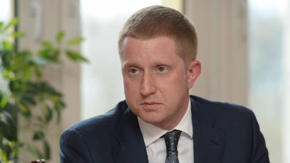 Сам Алексей Пименов причины своей отставки объясняет тем, что выполнил свою цель — реализацию первого этапа мусорной реформы в регионе. Дальше уже стоят более политические задачи, а «он не политик, а обычный менеджер»