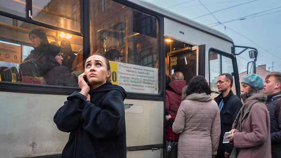В парке ПТК 330 автобусов ПАЗ, 63 МАЗа и 36 автобусов для обслуживания межгородских перевозок и заказных линий
