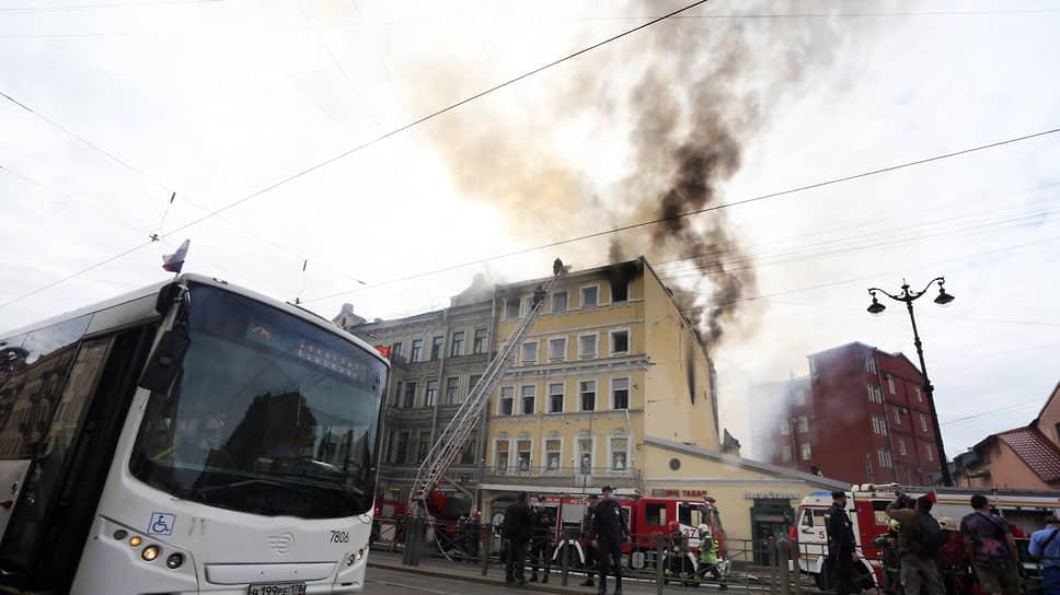 пожара в жилом доме на Лиговском проспекте 115