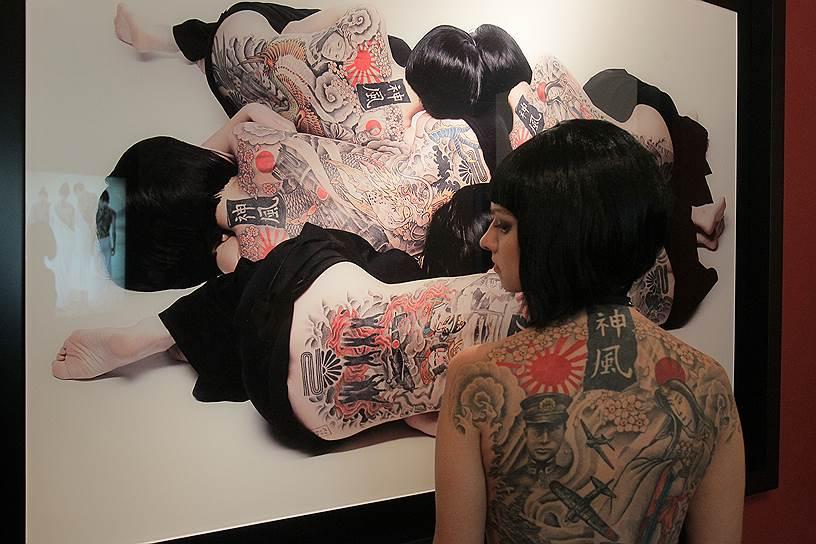 """Сентябрь 2010. Выставка """"Божественный ветер"""" группы Tanatos Banionis"""